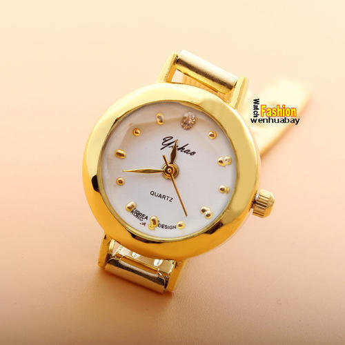 Women 39 s watches gold colored korean ladies small quartz watch for sale in koppies for Small size womans watch
