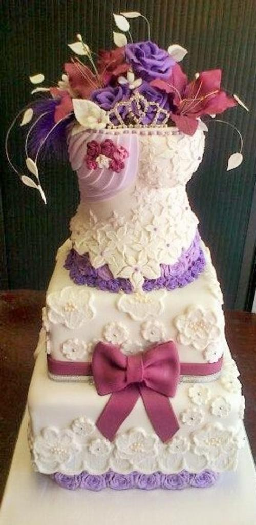Beautiful Vanilla Cake Images : Weddings - Beautiful Vanilla Sponge DRESS Cake was listed ...