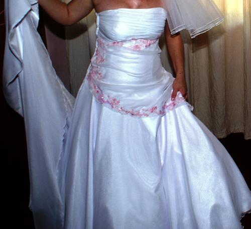 Wedding Dresses CLEARANCE SALE BEAUTIFUL WEDDING DRESS Veil Incl