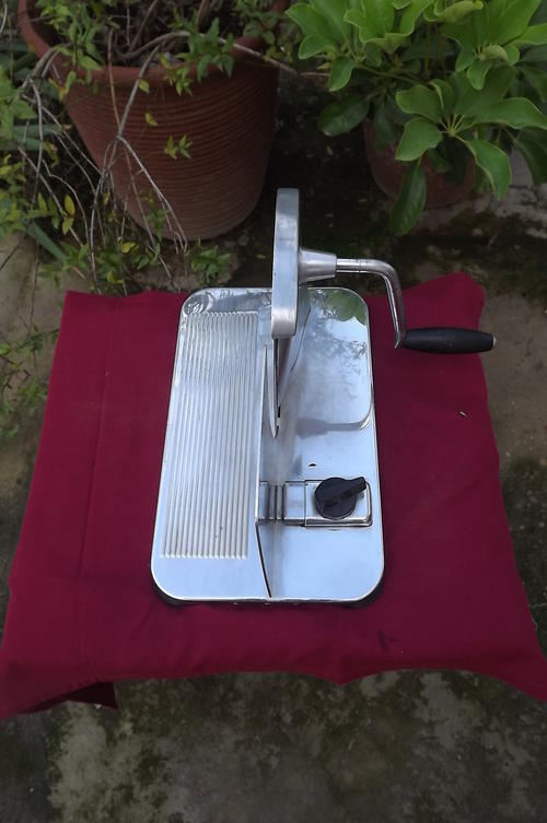 Old Fashioned Bread Slicer